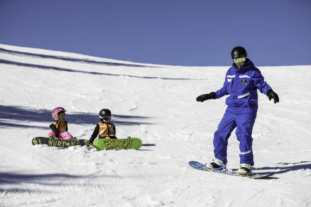 Youth group snowboard lesson